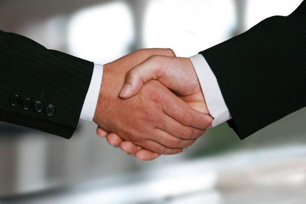 Contrat de travail avocate à Pau